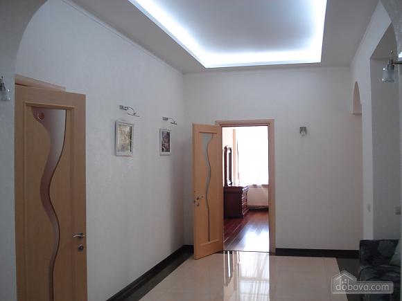 Квартира в елітному будинку, 3-кімнатна (75392), 010