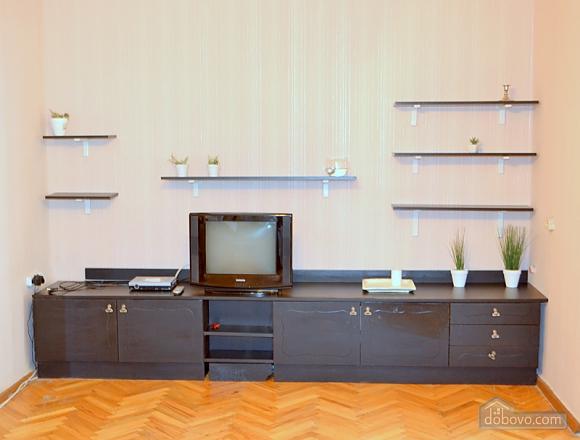 Квартира в тихом дворике возле метро Контрактовая площадь, 2х-комнатная (59060), 002