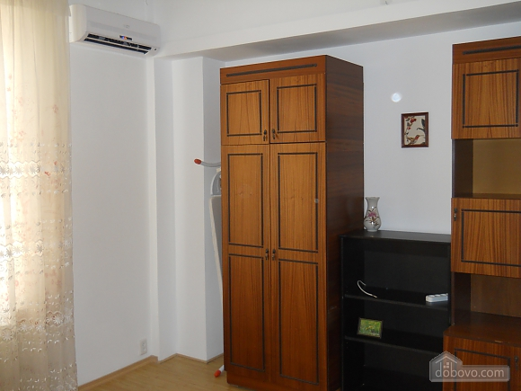 Apartment with a separate bedroom, One Bedroom (15720), 011