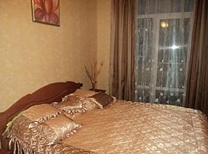 Квартира в центрі міста, 2-кімнатна, 001
