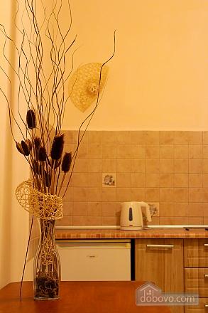 Квартира біля площі Ринок, 2-кімнатна (62974), 007