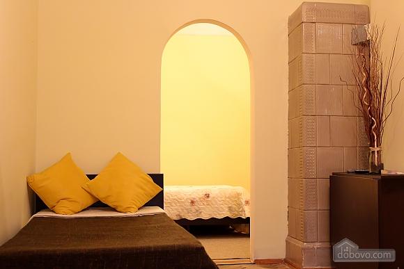 Квартира біля площі Ринок, 2-кімнатна (62974), 011