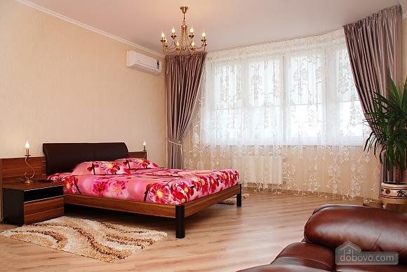 Квартира возле МВЦ, 1-комнатная (96625), 001