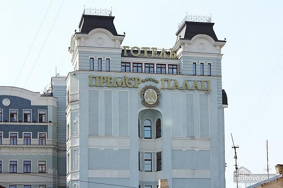 Apartment near Bessarabska square, Two Bedroom (32054), 003