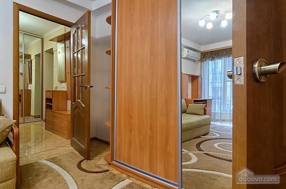 Квартира напротив Костела, 2х-комнатная (63997), 005