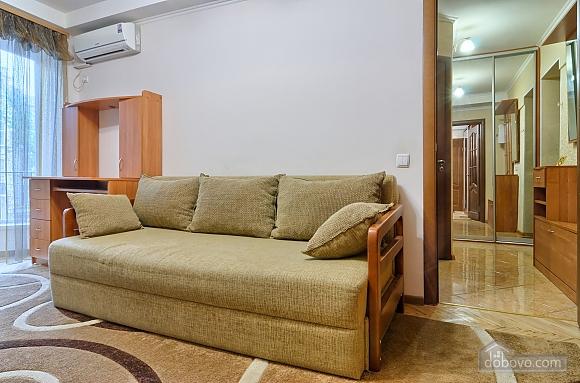 Квартира напротив Костела, 2х-комнатная (63997), 006