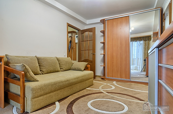 Квартира напротив Костела, 2х-комнатная (63997), 001