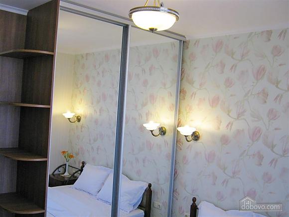 New apartment near Arcadia, One Bedroom (32984), 031