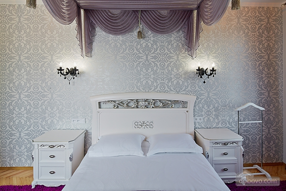 VIP Luxury cozy apartment, Due Camere (10317), 002
