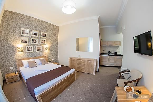 Нові апартаменти в самому центрі, 1-кімнатна (98609), 001