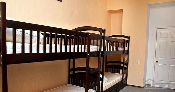 Новый комфортный хостел, 1-комнатная (52432), 008