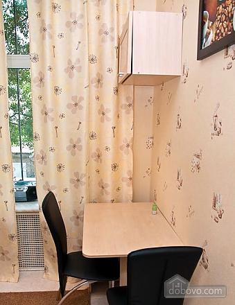 Новый комфортный хостел, 1-комнатная (52432), 015