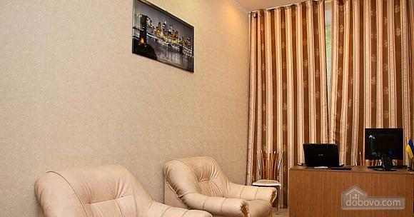 Новый комфортный хостел, 1-комнатная (52432), 022