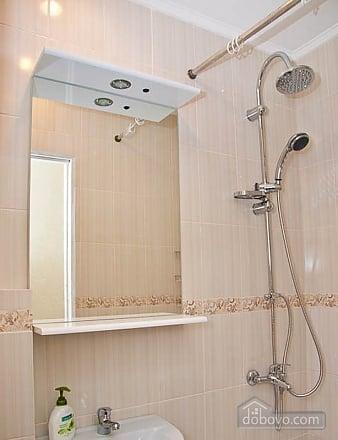 Новый комфортный хостел, 1-комнатная (52432), 028