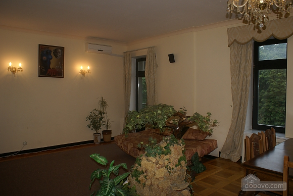 Apartment near Zoloti Vorota metro station, Due Camere (86073), 006