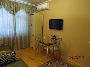 Чистая квартира со всеми удобствами, 2х-комнатная, 003