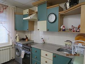 Чиста квартира з усіма зручностями, 2-кімнатна, 017