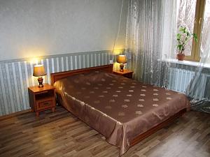 Квартира на проспекті Гагаріна, 2-кімнатна, 001