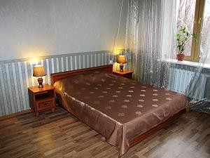 Квартира на проспекті Гагаріна, 2-кімнатна, 024