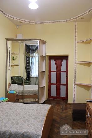 8 Khorvatskaya, Studio (65997), 002