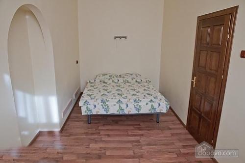 22 Shevchenka, One Bedroom (21163), 004