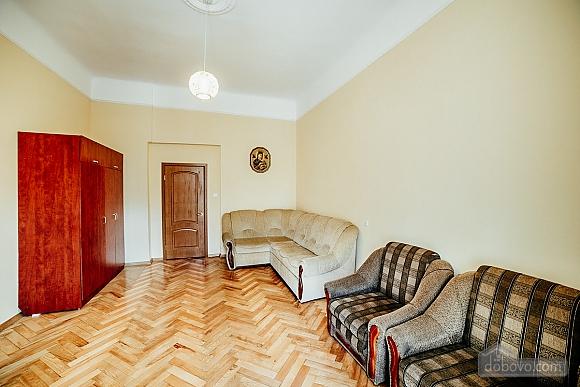 Квартира в центрі з окремими кімнатами, 2-кімнатна (15706), 006