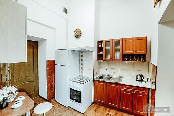 Квартира в центрі з окремими кімнатами, 2-кімнатна (15706), 012