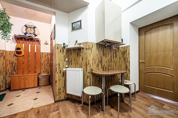 Квартира в центрі з окремими кімнатами, 2-кімнатна (15706), 015