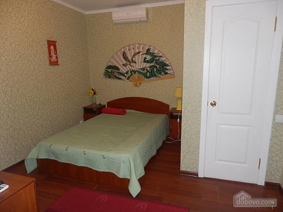 Room near the sea, Studio (96747), 001