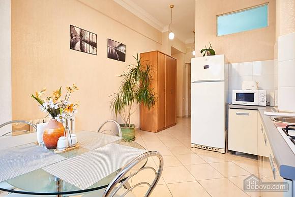 Квартира возле Бессарабки, 2х-комнатная (68790), 002