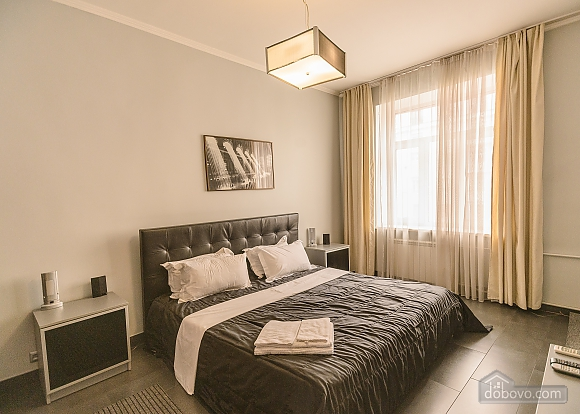 Modern one bedroom Jacuzzi apartment with kitchen and sofa bed, One Bedroom (76251), 001