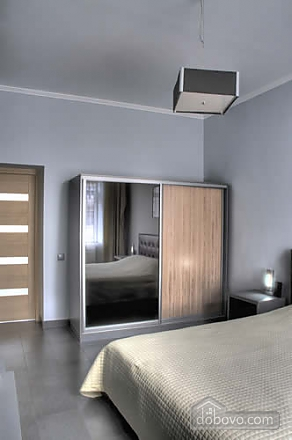 Modern one bedroom Jacuzzi apartment with kitchen and sofa bed, One Bedroom (76251), 002