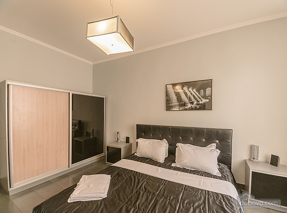 Modern one bedroom Jacuzzi apartment with kitchen and sofa bed, One Bedroom (76251), 007