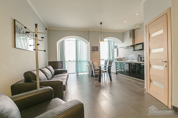 Modern one bedroom Jacuzzi apartment with kitchen and sofa bed, One Bedroom (76251), 010