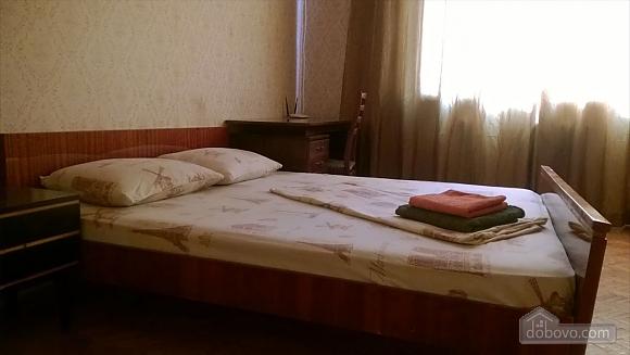 Квартира біля парку ім. Горького з Wi-Fi, 2-кімнатна (59632), 001