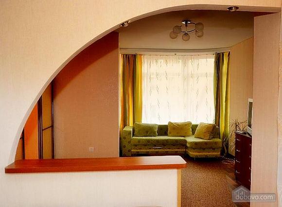 Светлая квартира в центре, 1-комнатная (63146), 003