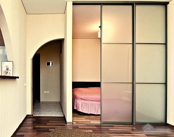 Светлая квартира в центре, 1-комнатная (63146), 004