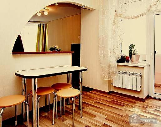 Светлая квартира в центре, 1-комнатная (63146), 001