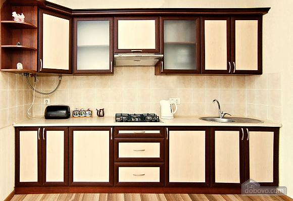 Светлая квартира в центре, 1-комнатная (63146), 002