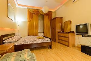 Квартира рядом с Софиевской Площадью, 1-комнатная, 002