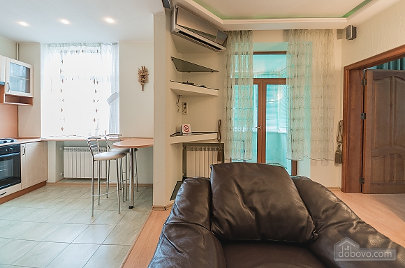 Comfortable one-bedroom apartment street view, Un chambre (12638), 003