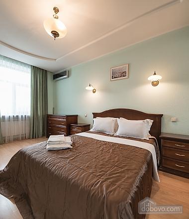 Comfortable one-bedroom apartment street view, Una Camera (12638), 010