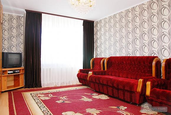 Квартира біля метро Палац Україна, 2-кімнатна (71125), 001