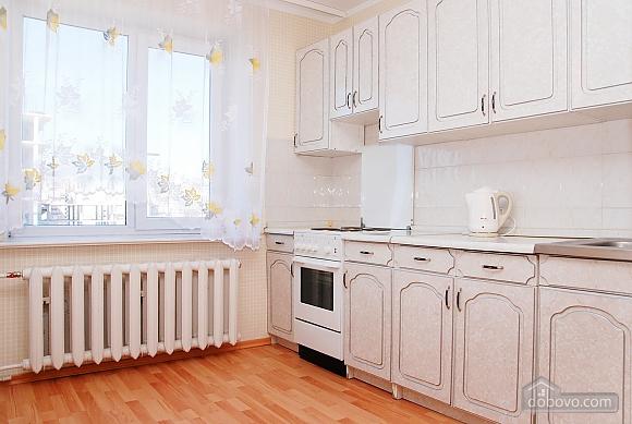 Квартира біля метро Палац Україна, 2-кімнатна (71125), 002