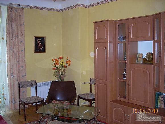Квартира в самому центрі, 1-кімнатна (99420), 002