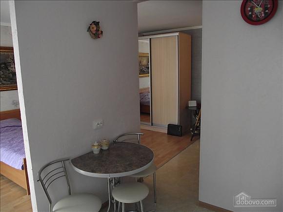 Уютная квартира, 1-комнатная (68297), 004