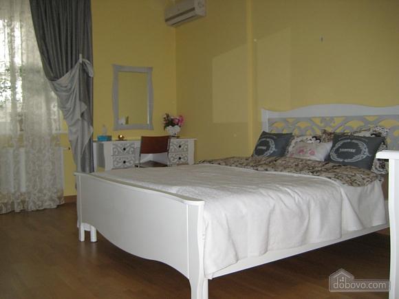 Apartment in Solomyanskiy disctrict, Studio (91431), 001