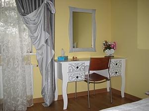 Apartment in Solomyanskiy disctrict, Monolocale, 004