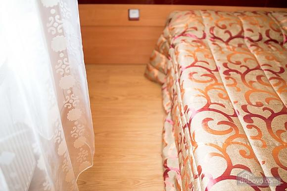 Квартира полулюкс в центре, 1-комнатная (31610), 005