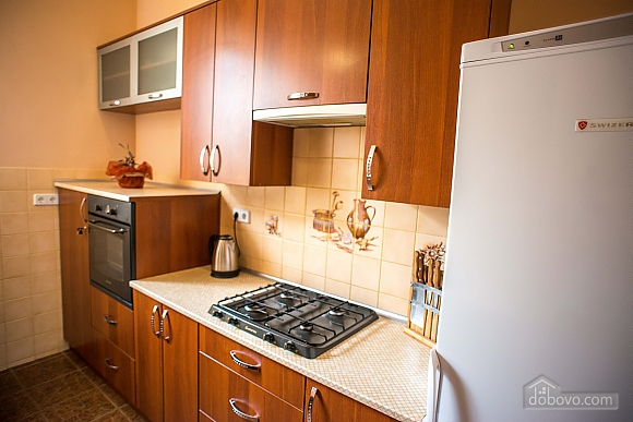 Квартира полулюкс в центре, 1-комнатная (31610), 021